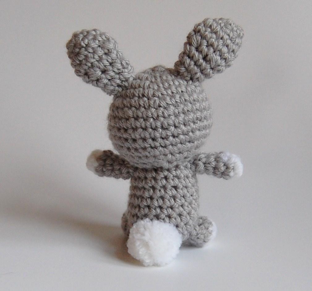 DSC_0210 little amigurumi bunny rear 3a