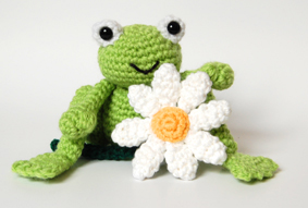 Cute frog and daisy (right)