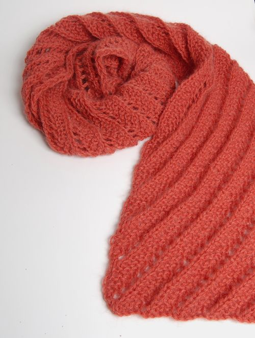 Red ridge scarf vertical